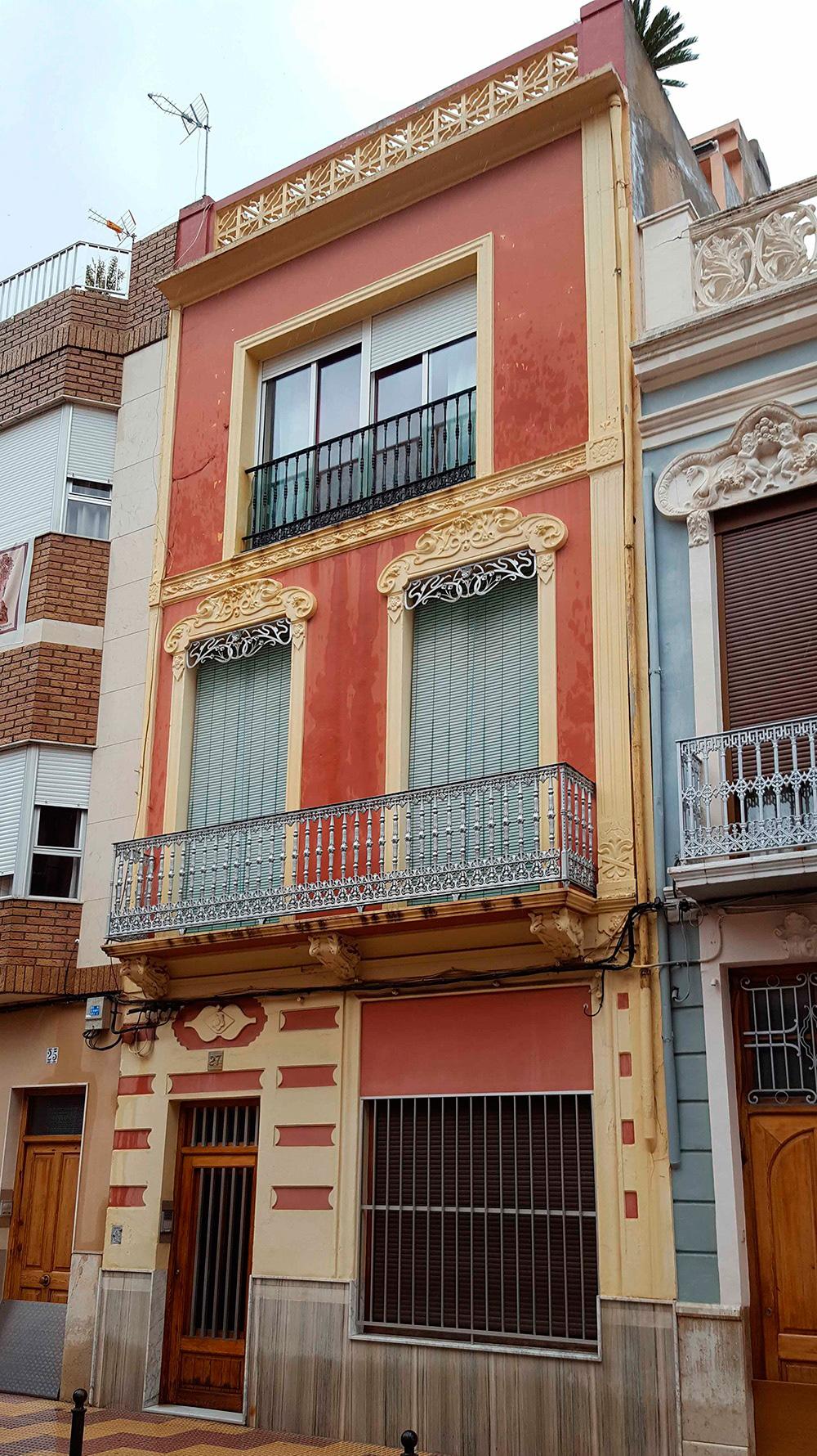 5_fachada_particular_antes_del_trabajo