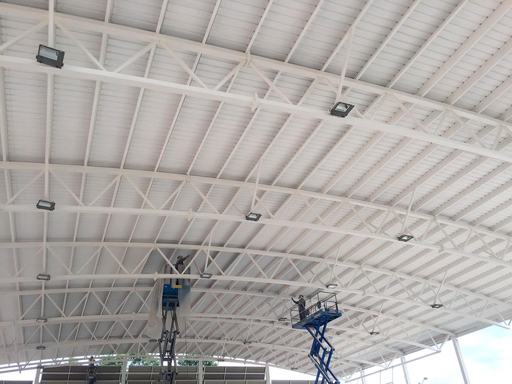 Aplicación de Pintura Intumescente sobre estructura metálica y aplicación de esmalte sobre cubierta